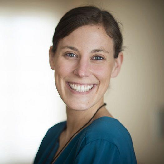 María Beúnza Valero - Psicoterapeuta humanista integradora y docente en un máster de intervención infantil (UOC)
